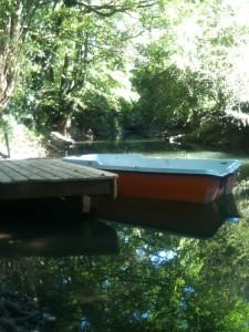 barque sur la rivière