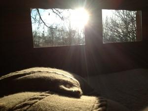 Soleil par la fenêtre au réveil