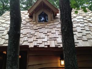 toiture-cabane-de-la-clairiere